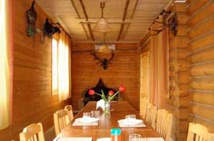 Для проживания и размещения гостей на рыболовной базе «БЕЛЫЙ БЕРЕГ» всегда готовы комфортабельны коттеджи «Люкс» и «Полулюкс»