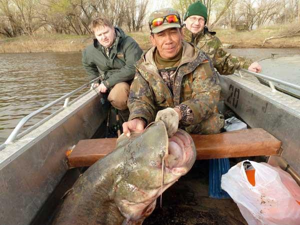 Рыбалка в астрахани в апреле базы отдыха
