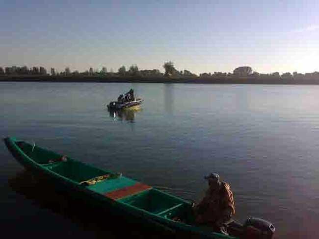 рыболовные базы в дельте волги на раскатах деревня каралат